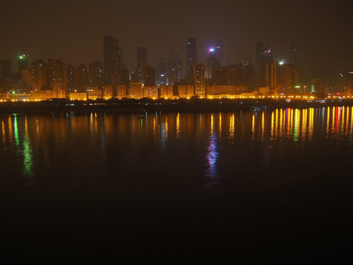 重庆滨江路夜景