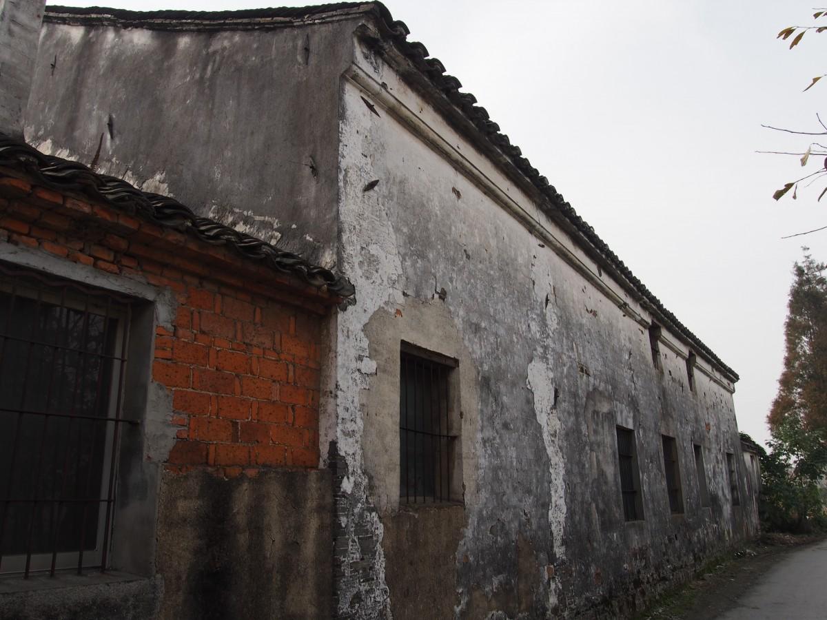 太平庵的高墙外