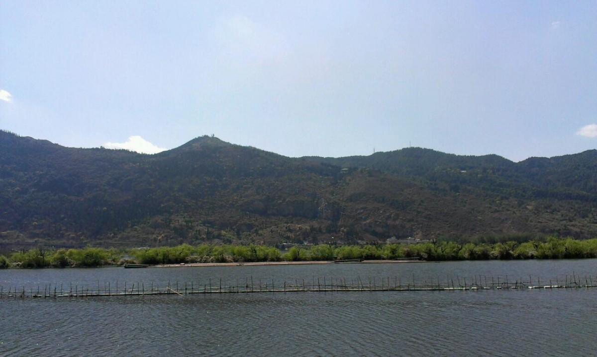 滇池和西山