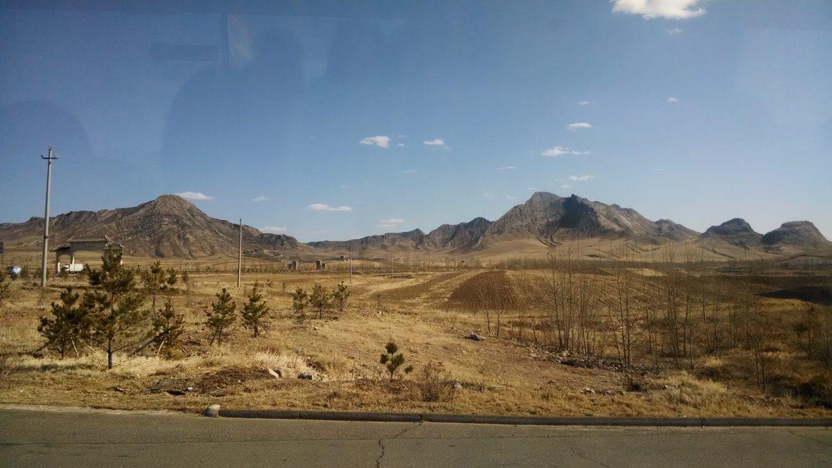 赤峰至巴林左旗的汽车途中