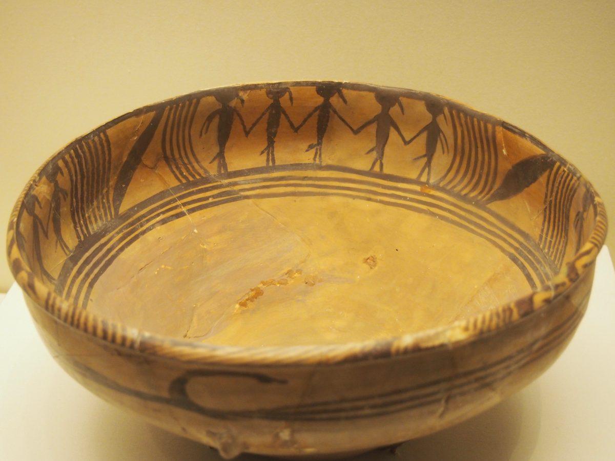 舞蹈纹彩陶盆