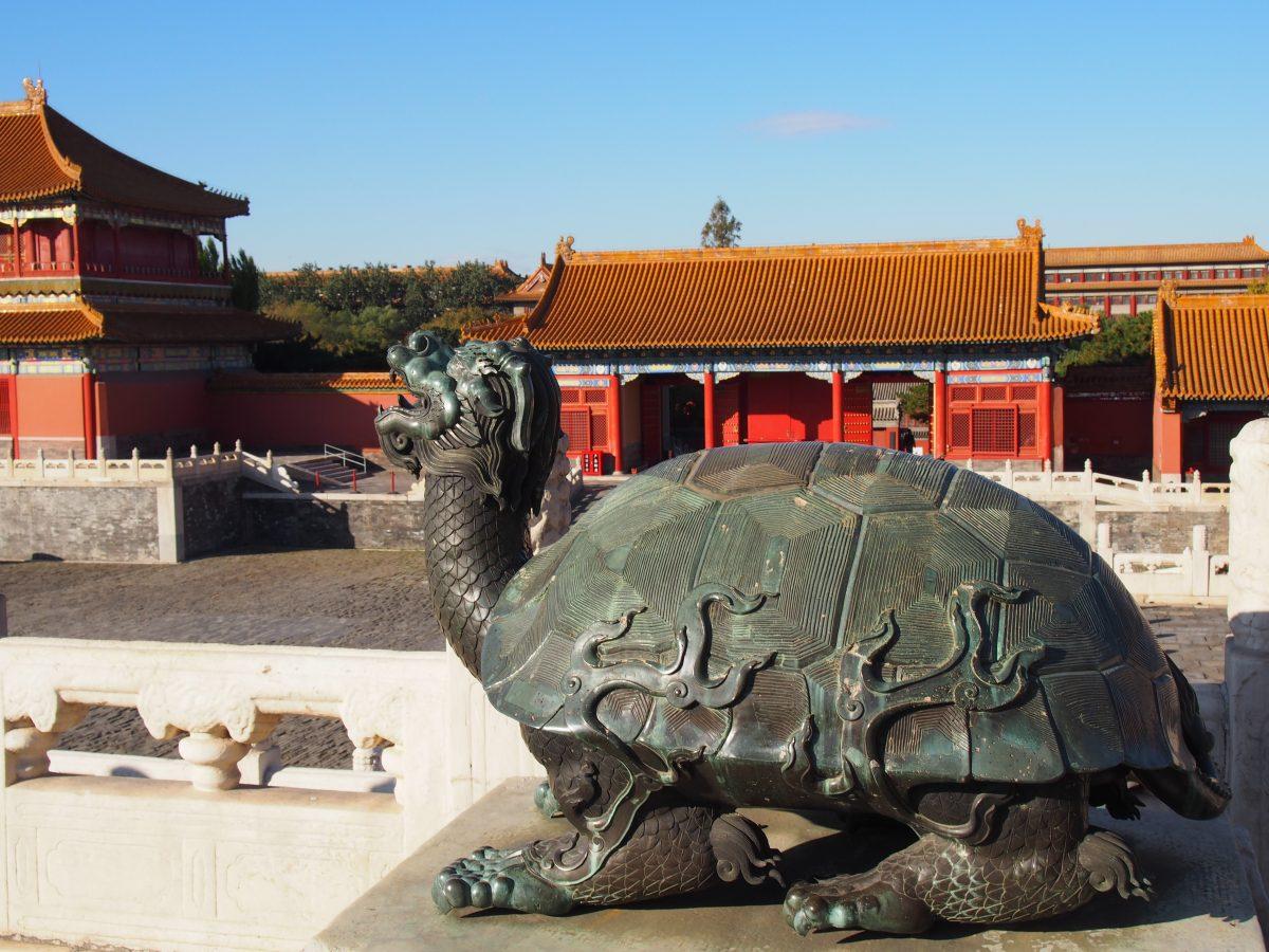 太和殿右侧铜龟