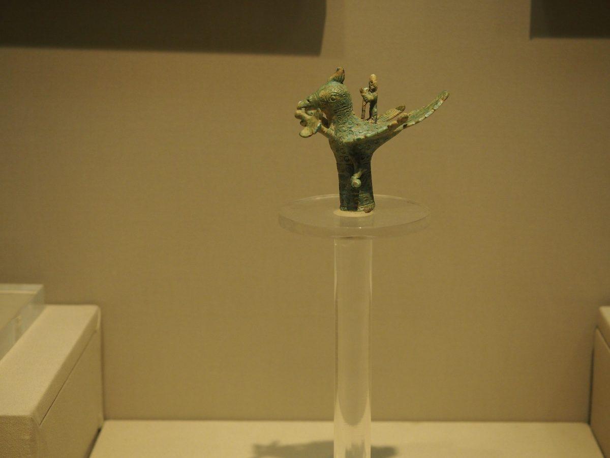 西汉·铜鸠杖杖首